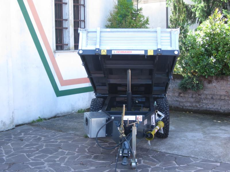 Rimorchio bernardi motrice novit vendita ricambi per for Mondino rimorchi